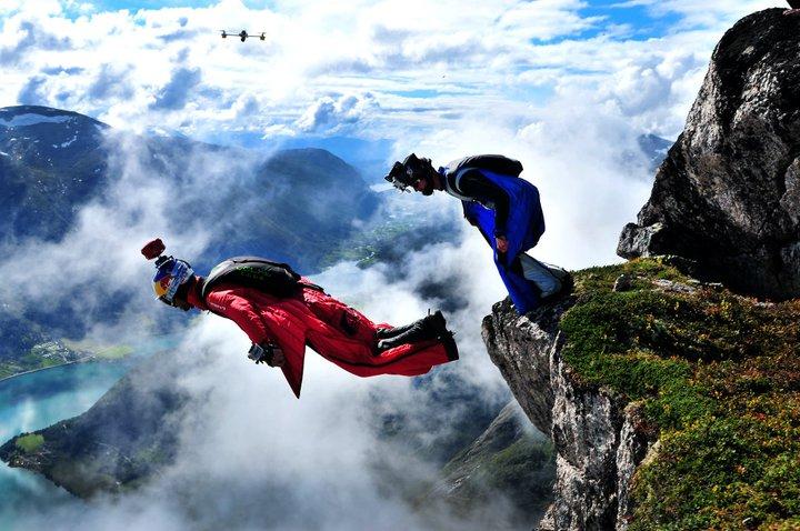 wingsuit_flo_2