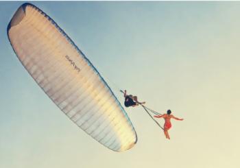 Воздушная гимнастика в небе без страховки