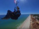 Параглайдинг над пляжем Фалезия, Португалия