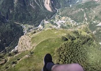 Безумный скоростной полет британского пилота над Альпами