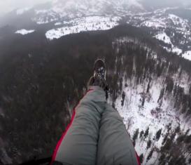 Зимний параглайдинг в Карпатских горах